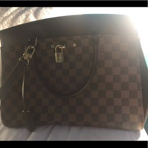 Louis Vuitton -Rivoli MM